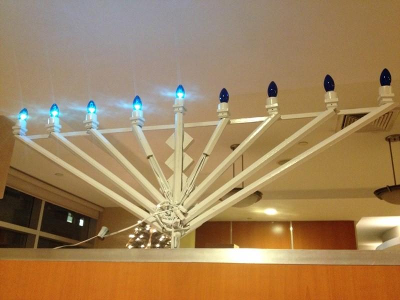chandelier_hanukkah