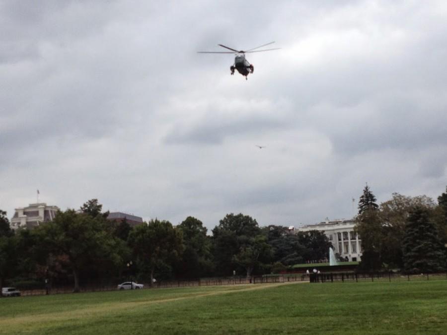envol-helicoptere-maison-blanche-au-dessus