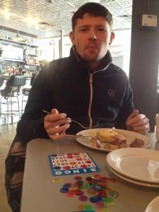 jouer au bingo pendant le brunch Maxime