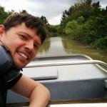 Maxime sur le airboat dans les marécages de Everglades en Floride