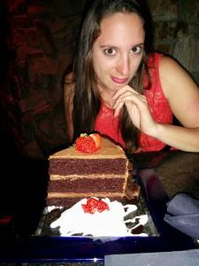 part de gâteau au chocolat américain avec Sarah