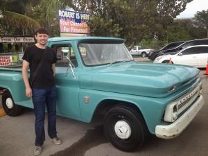 Maxime et une voiture américaine, Chevrolet