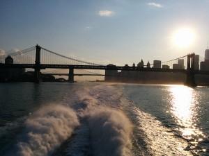 sur le bateau, s'éloignant de New York