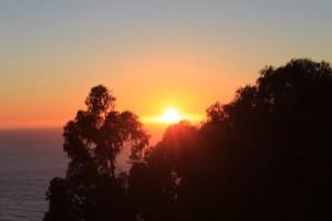 route le long de la côte du pacifique highway 1 de San Franscisco à Los Angeles coucher du soleil