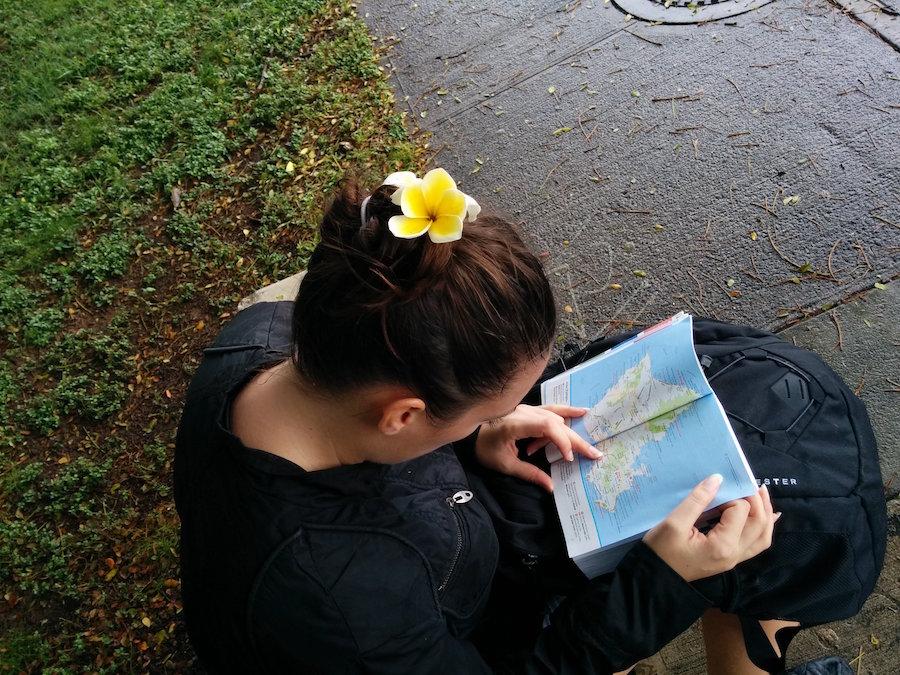 Honolulu Hawaii plumeria dans les cheveux